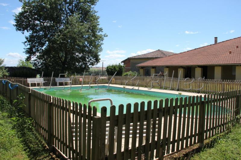 Sale house / villa Samatan 235000€ - Picture 1