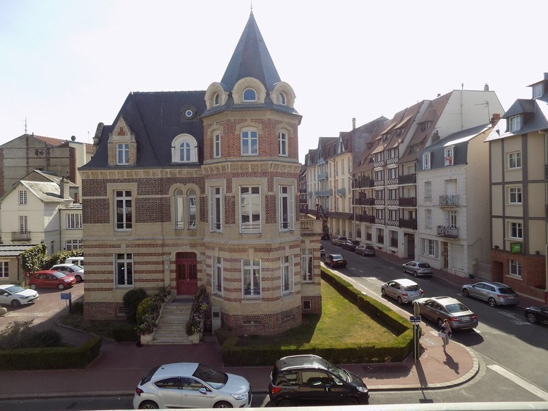 Deluxe sale apartment Deauville 530 000€ - Picture 10