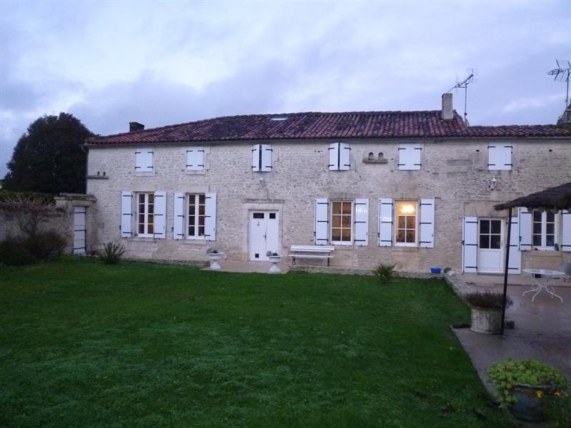 Sale house / villa Chérac 390000€ - Picture 1