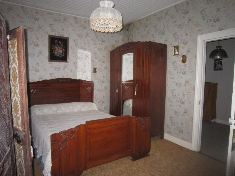 Sale house / villa St cyprien 69120€ - Picture 9