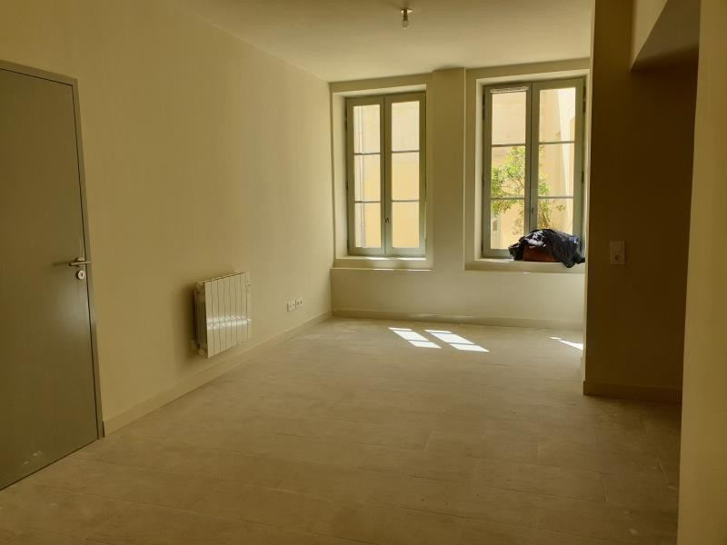 Rental apartment Nimes 700€ CC - Picture 2
