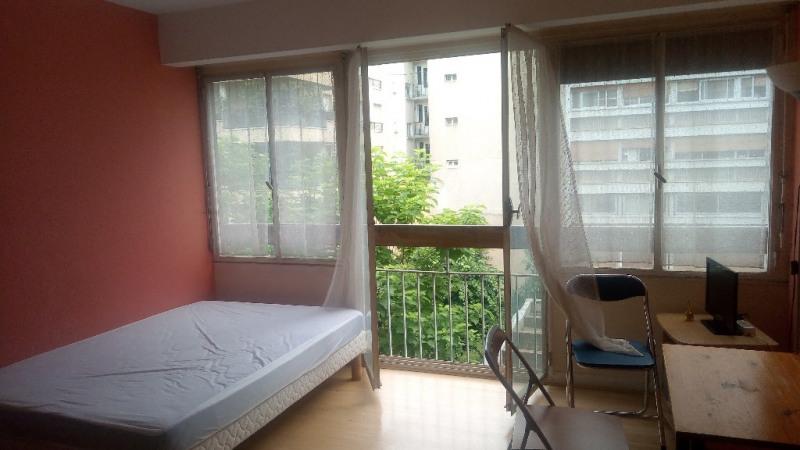 Sale apartment Paris 15ème 243000€ - Picture 2