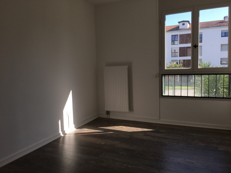 Location appartement Saint-jean-de-luz 980€ CC - Photo 6