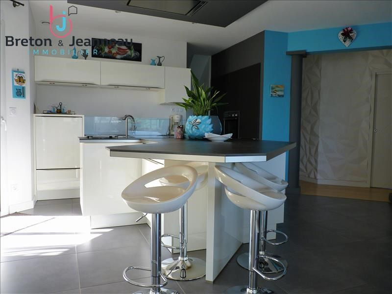 Sale house / villa Chateau gontier 374400€ - Picture 7