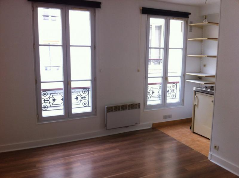 Rental apartment Paris 7ème 688€ CC - Picture 1