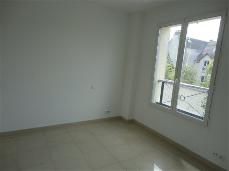 Rental house / villa Orsay 1 265€ CC - Picture 6