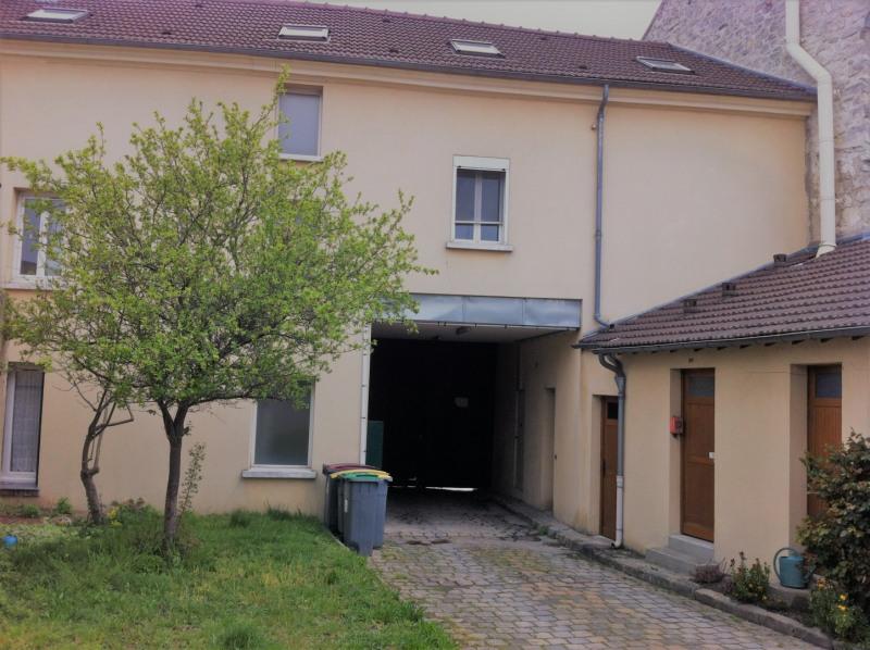 Location appartement Pierrelaye 820€ CC - Photo 1