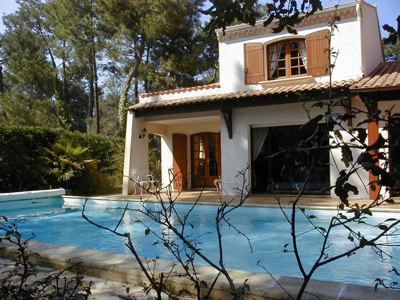 Sale house / villa Ronce les bains 553000€ - Picture 1