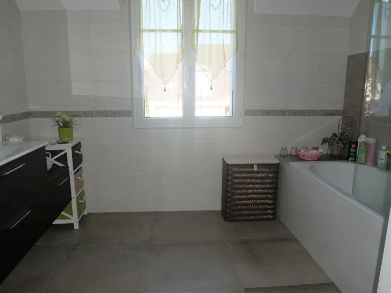 Sale house / villa Poissy 499000€ - Picture 9