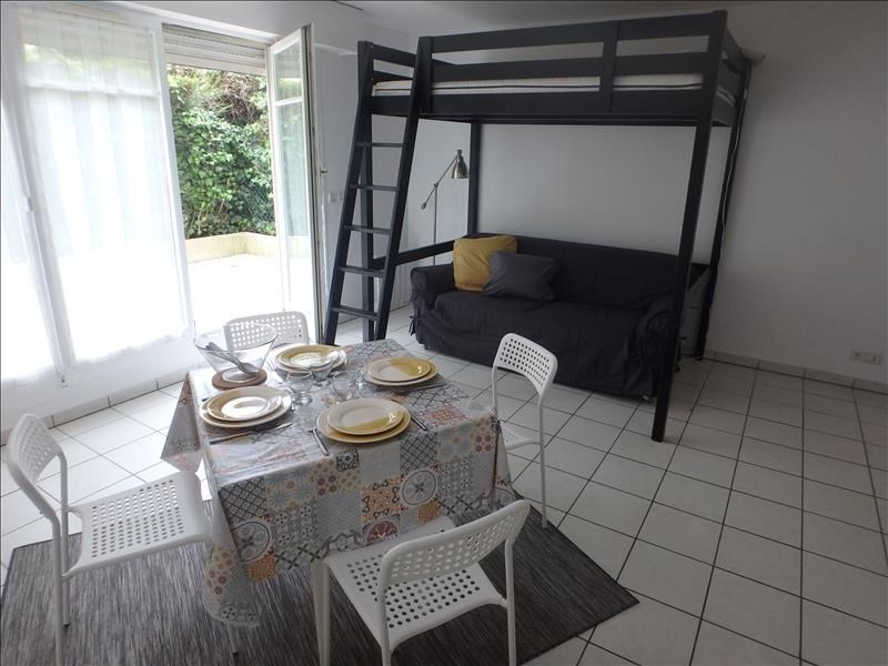 Location appartement Versailles 742€ CC - Photo 1