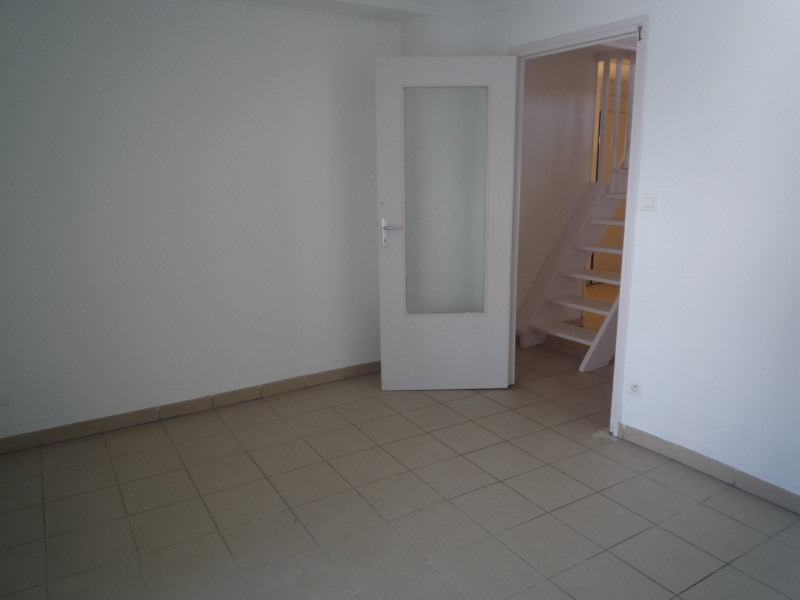 Rental apartment St agreve 525€ CC - Picture 4