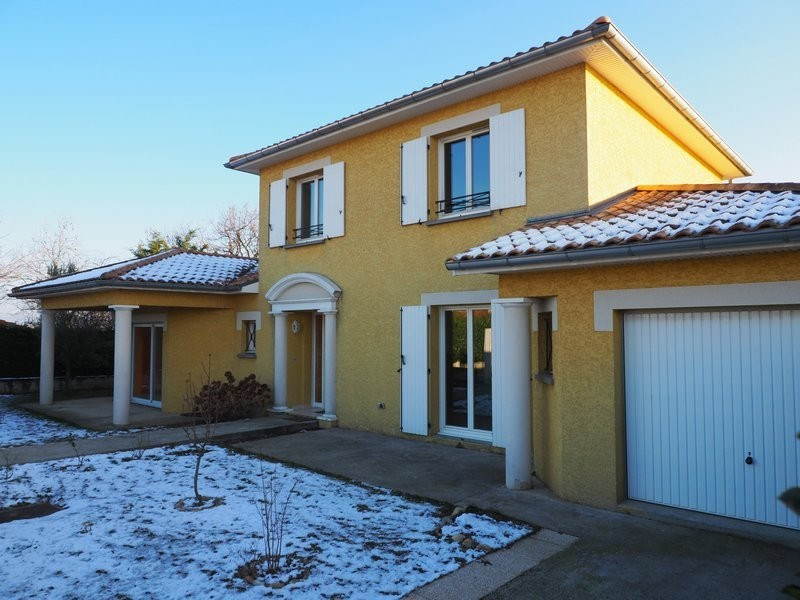 Sale house / villa Lapeyrouse mornay 231 600€ - Picture 1