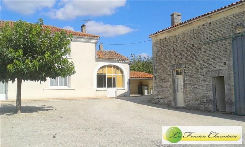 Sale house / villa Aigre 108000€ - Picture 3