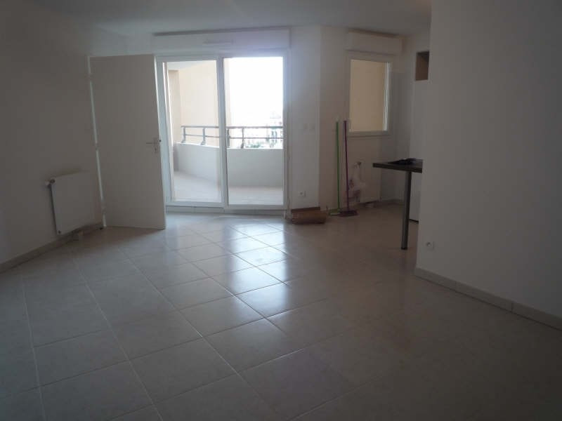 Rental apartment Aix en provence 822€ CC - Picture 2
