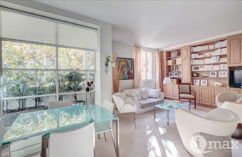 Sale apartment Courbevoie 385000€ - Picture 1