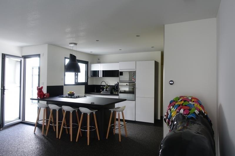 Deluxe sale house / villa Lumbin 420000€ - Picture 3