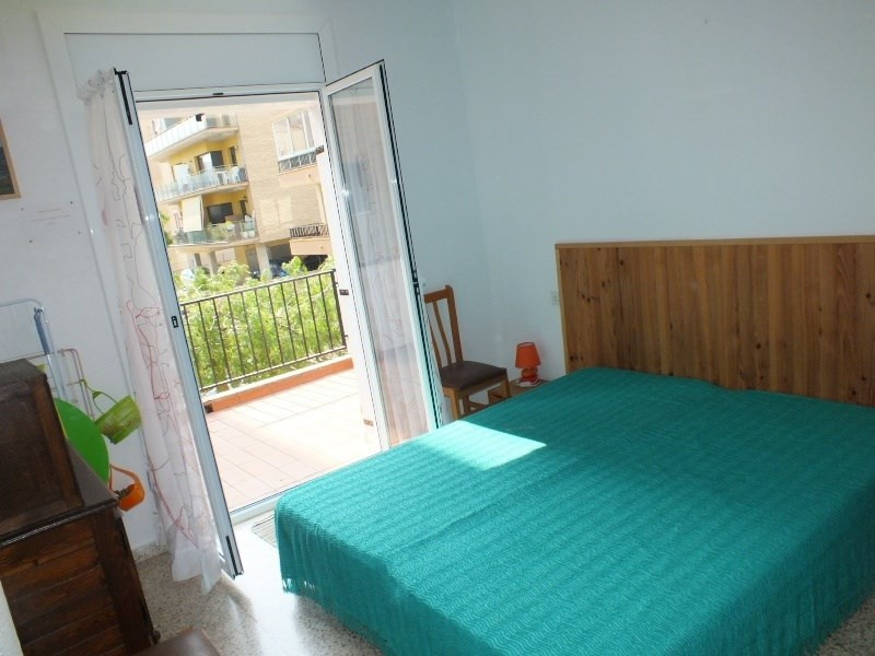 Vacation rental house / villa Roses 472€ - Picture 9