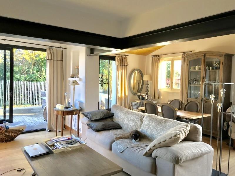 Deluxe sale house / villa La flotte 599500€ - Picture 1