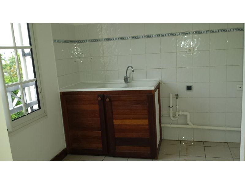 Location appartement Ste marie 425€ CC - Photo 2