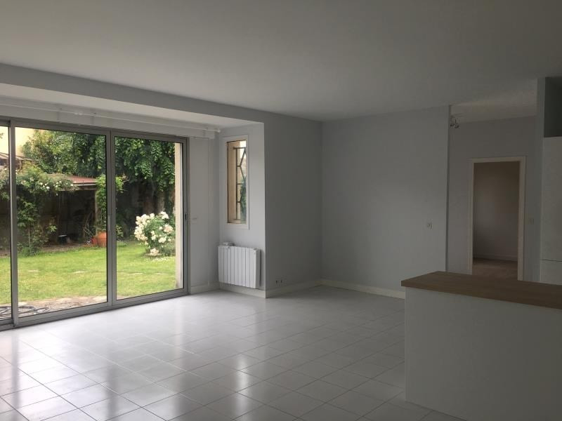 Deluxe sale house / villa Le mesnil le roi 785000€ - Picture 2