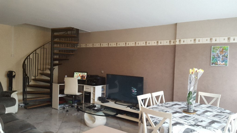 Sale apartment Beauvais 153 000€ - Picture 2