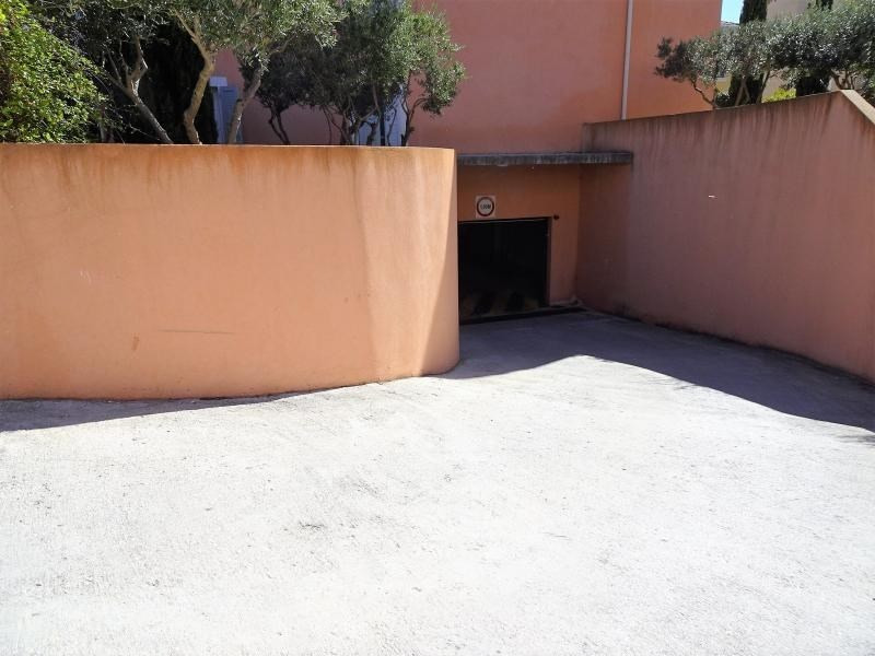 Vente parking Hyeres 22 000€ - Photo 1