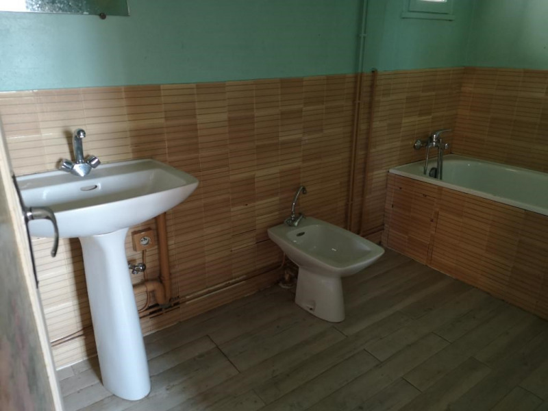 Sale house / villa Varennes changy 39500€ - Picture 4
