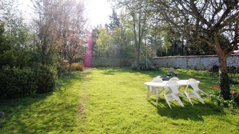 Sale house / villa Breval 364000€ - Picture 2