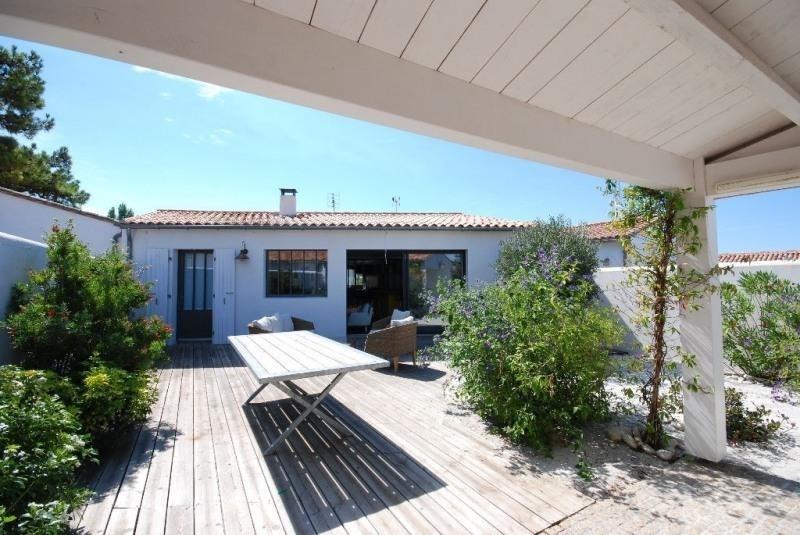 Deluxe sale house / villa La flotte 672000€ - Picture 1