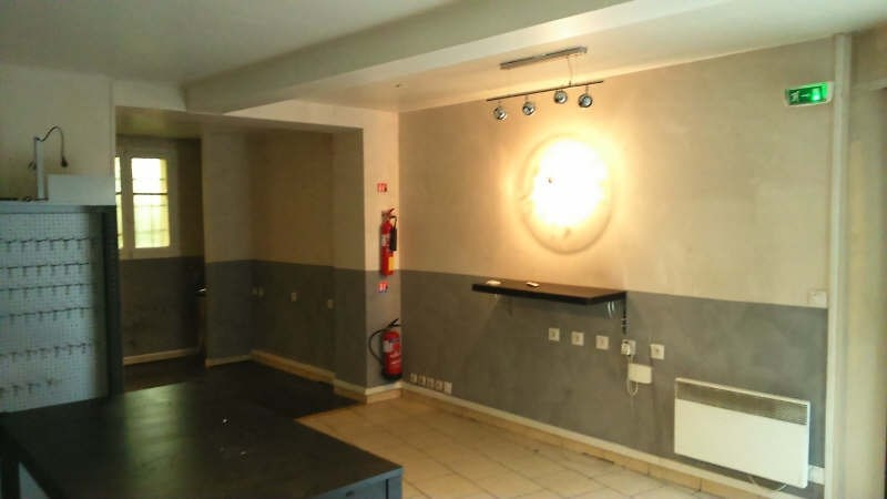 Location boutique Poissy 500€ HT/HC - Photo 1