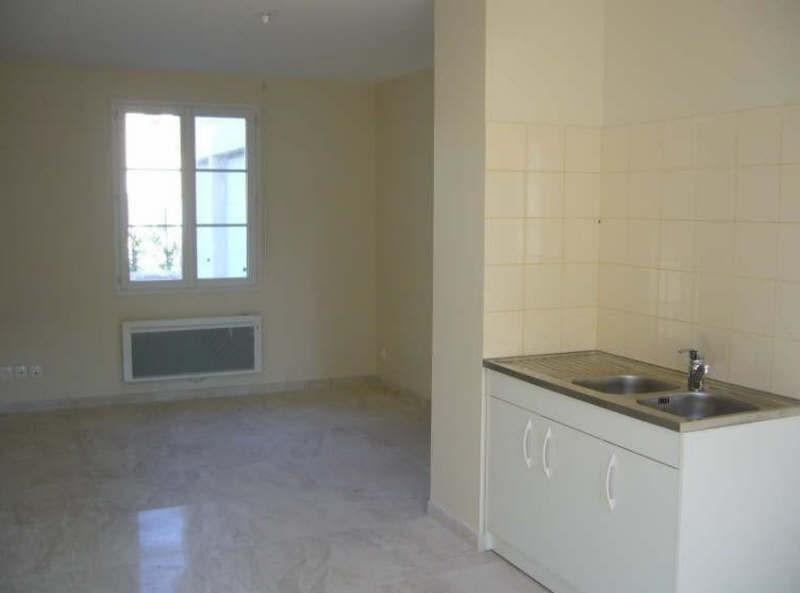 Rental apartment Ste genevieve 720€ CC - Picture 2