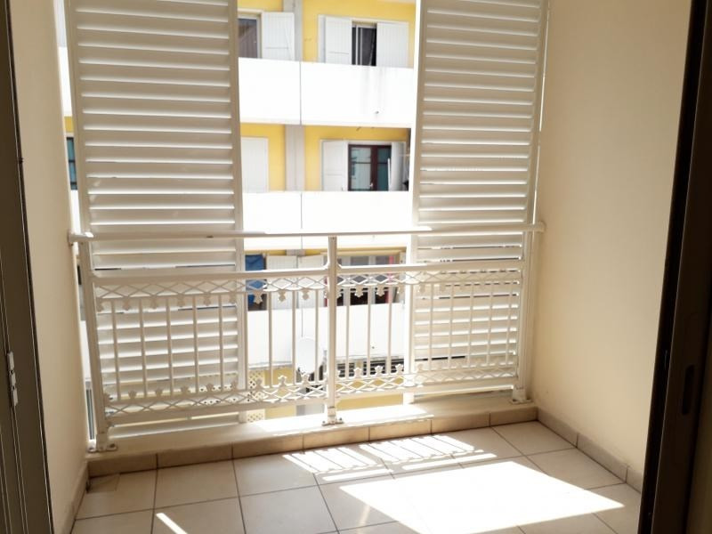 Location appartement St denis 668€ CC - Photo 5