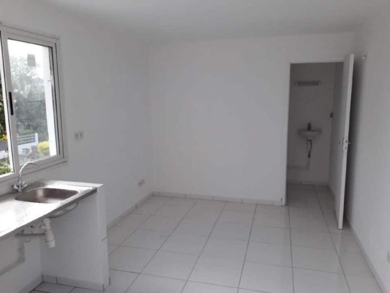 Location appartement St pierre 450€ CC - Photo 2