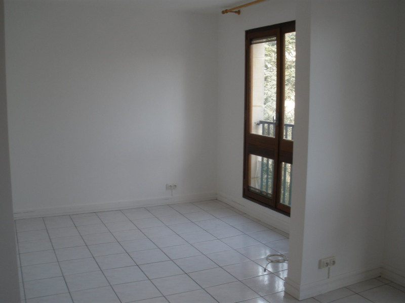 Location appartement Le chesnay 665€ CC - Photo 2