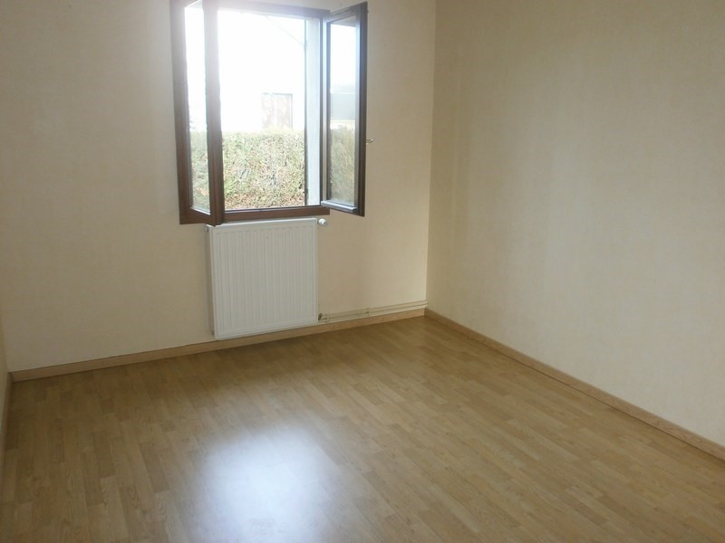 Location maison / villa Nuces 520€ CC - Photo 5