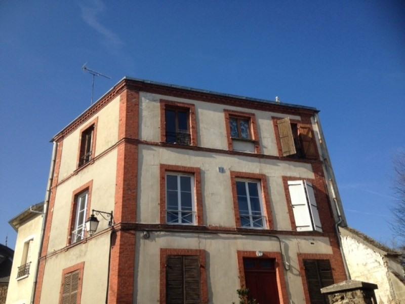 Rental apartment Chamarande 640€ CC - Picture 1