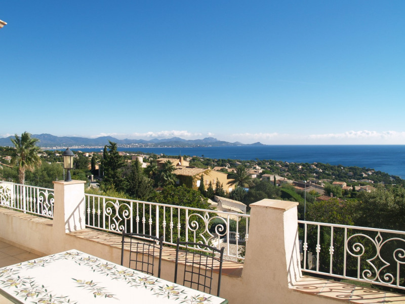 Vacation rental house / villa Les issambres 1 875€ - Picture 3