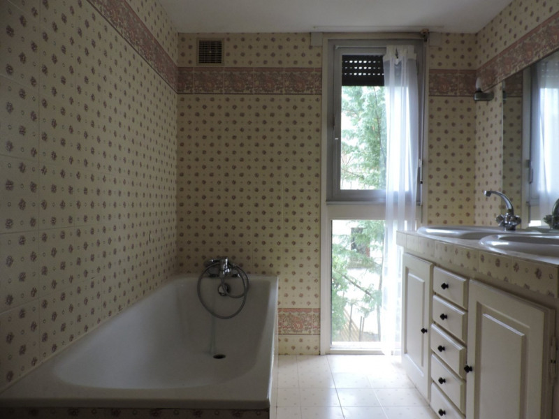 Rental house / villa Bon encontre 1050€ +CH - Picture 10