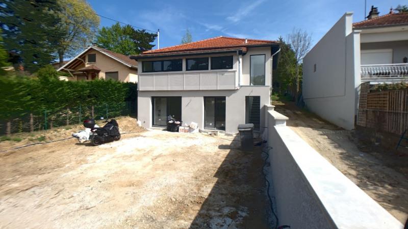 Deluxe sale house / villa Bron 574900€ - Picture 4