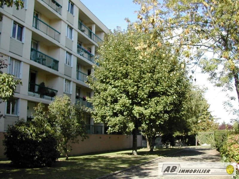 Sale apartment Poissy 185 000€ - Picture 1