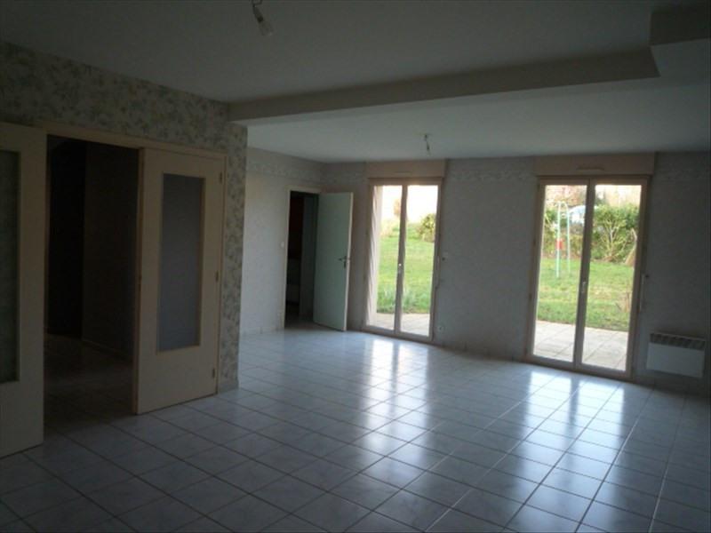 Location maison / villa Montfort sur meu 865€ CC - Photo 5