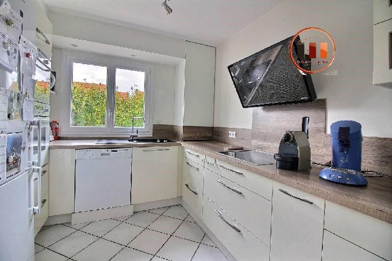 Vente maison / villa St genis laval 489000€ - Photo 4