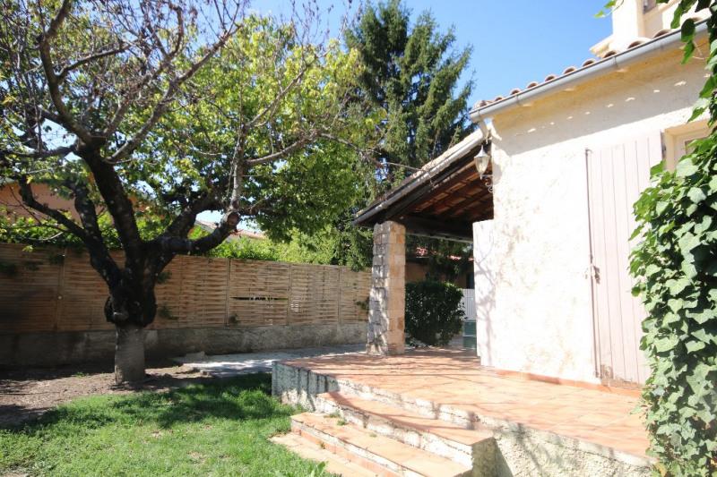 Location maison / villa Meyrargues 1250€ CC - Photo 3