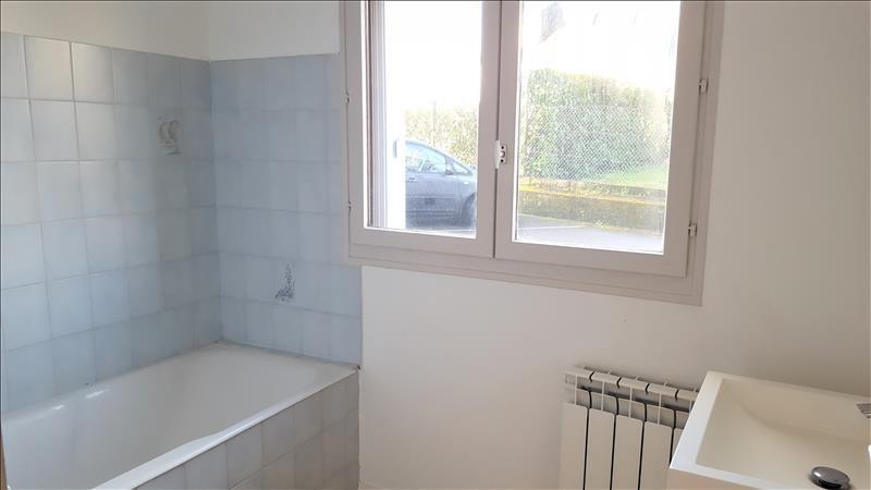 Location appartement Quimperle 327€ CC - Photo 4