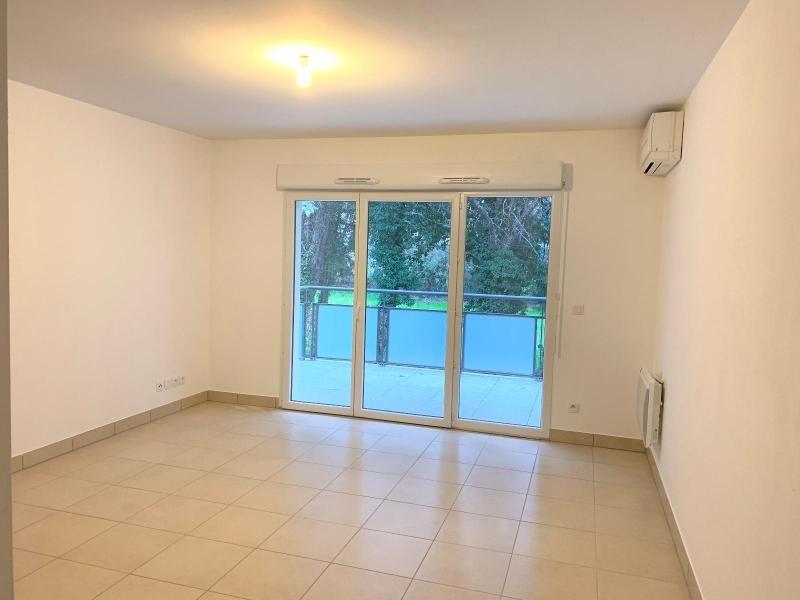 Rental apartment Saint cannat 900€ CC - Picture 1