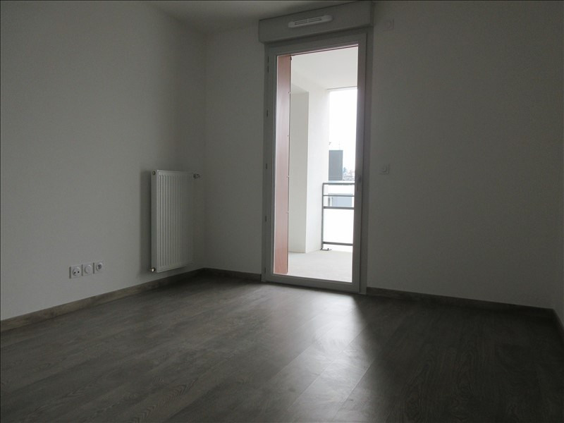 Location appartement Voiron 601€ CC - Photo 3