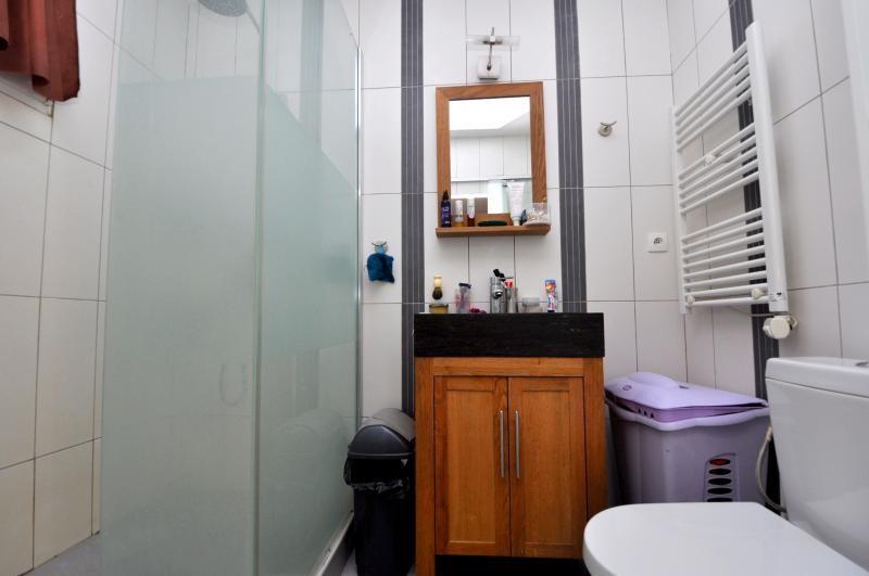 Sale house / villa Forges les bains 385000€ - Picture 6