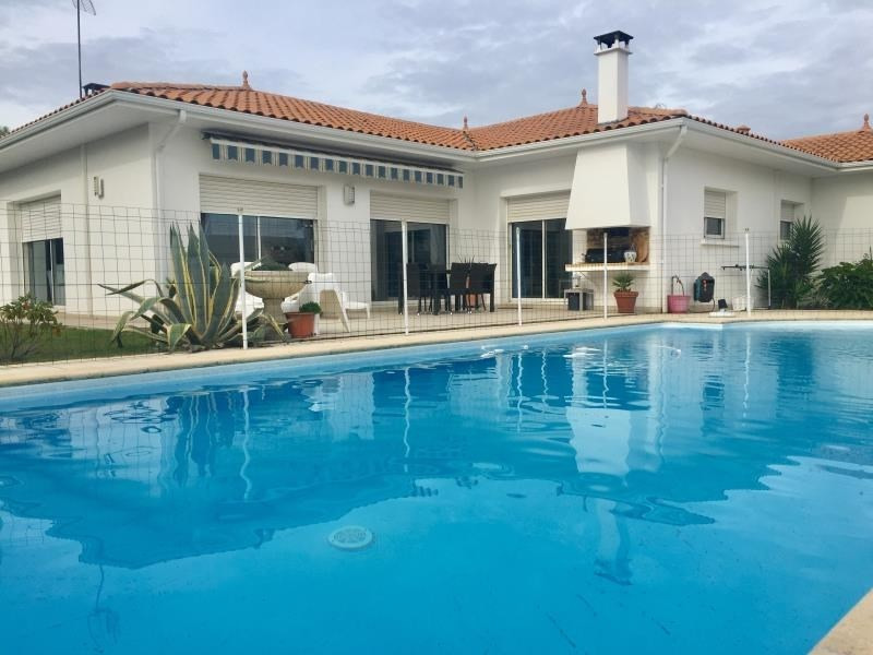 Deluxe sale house / villa Ares 582400€ - Picture 1