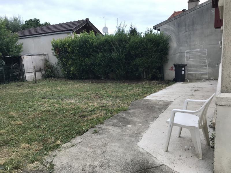 Location maison / villa Bondy 850€ CC - Photo 2
