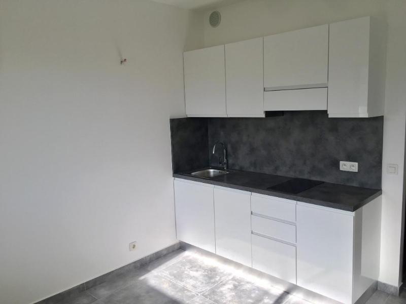 Rental apartment Vallauris 550€ CC - Picture 4